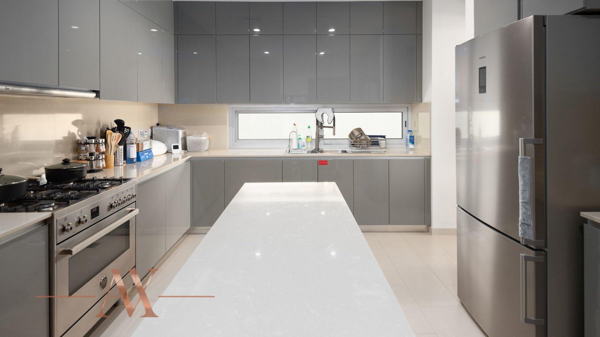 Villa en venta en Dubai, EAU, 7 dormitorios, 1394 m2, № 23838 – foto 2