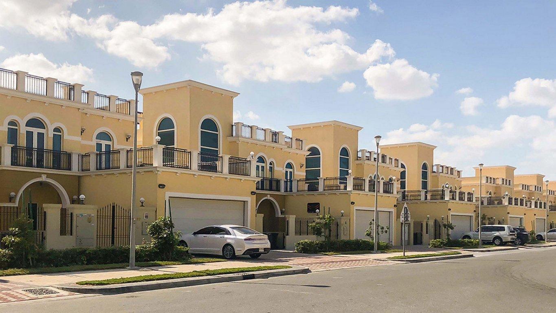 Villa en venta en Dubai, EAU, 3 dormitorios, 932 m2, № 24026 – foto 2