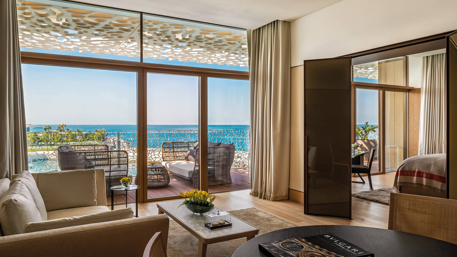 Ático en venta en Dubai, EAU, 4 dormitorios, 649 m2, № 23851 – foto 1