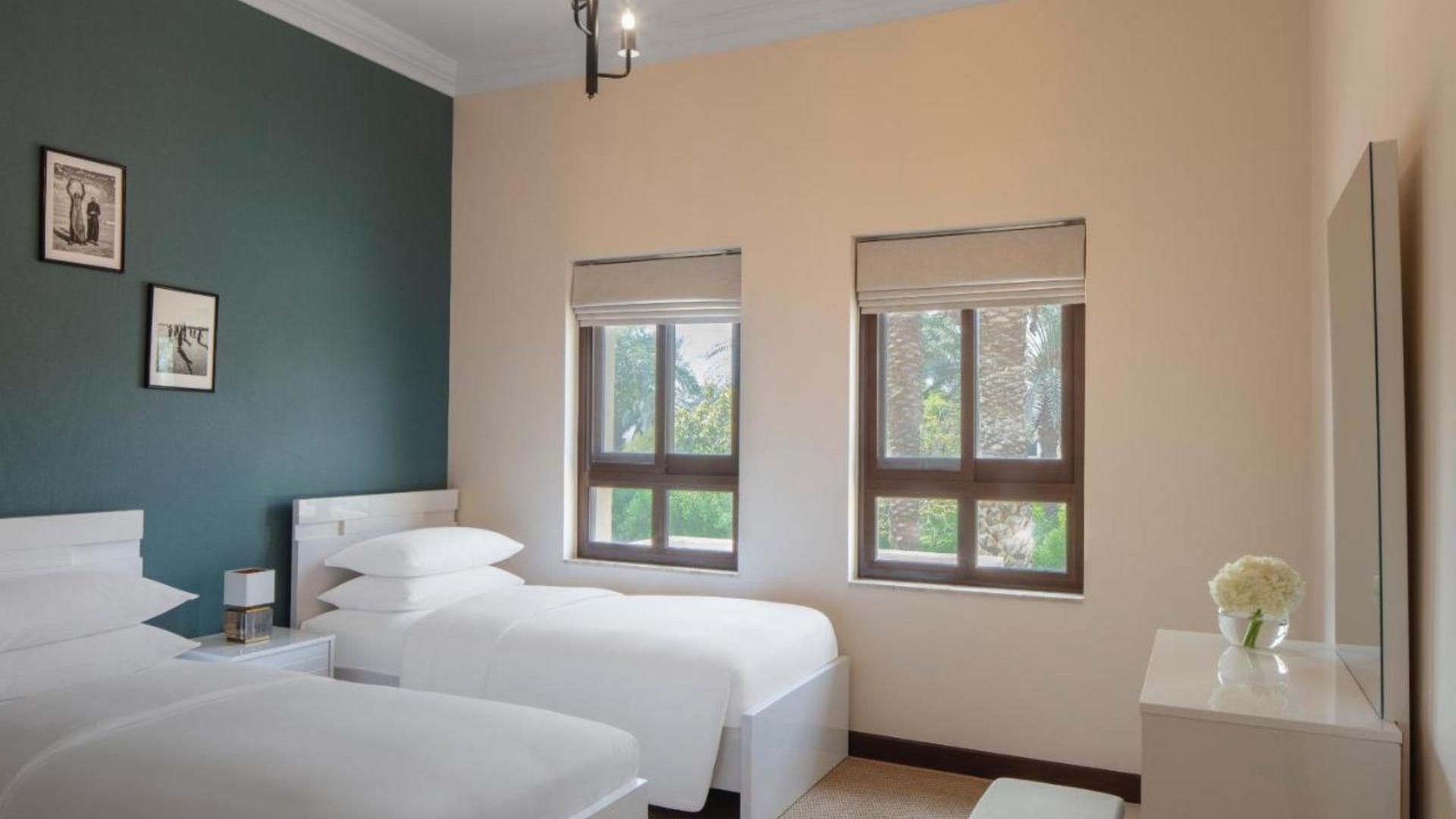 Villa en venta en Dubai, EAU, 3 dormitorios, 272 m2, № 24143 – foto 2