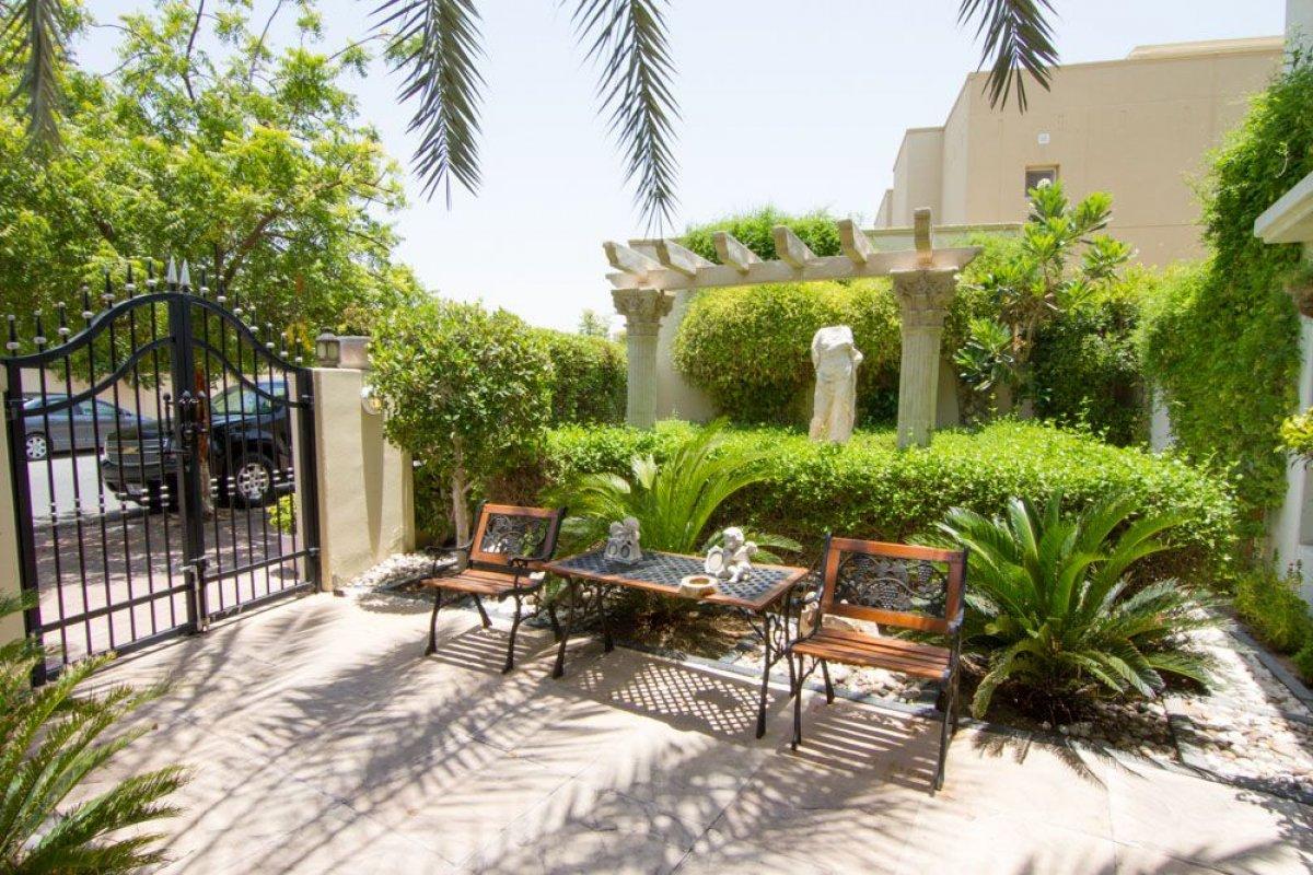 Villa en venta en Dubai, EAU, 5 dormitorios, 552 m2, № 24052 – foto 1