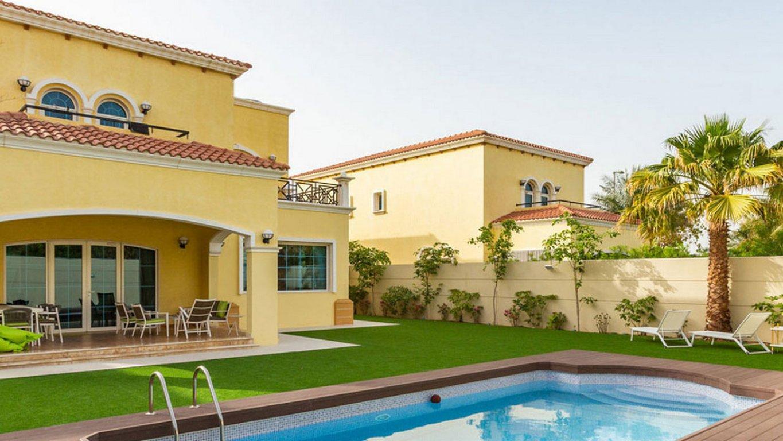 Villa en venta en Dubai, EAU, 3 dormitorios, 932 m2, № 24026 – foto 1