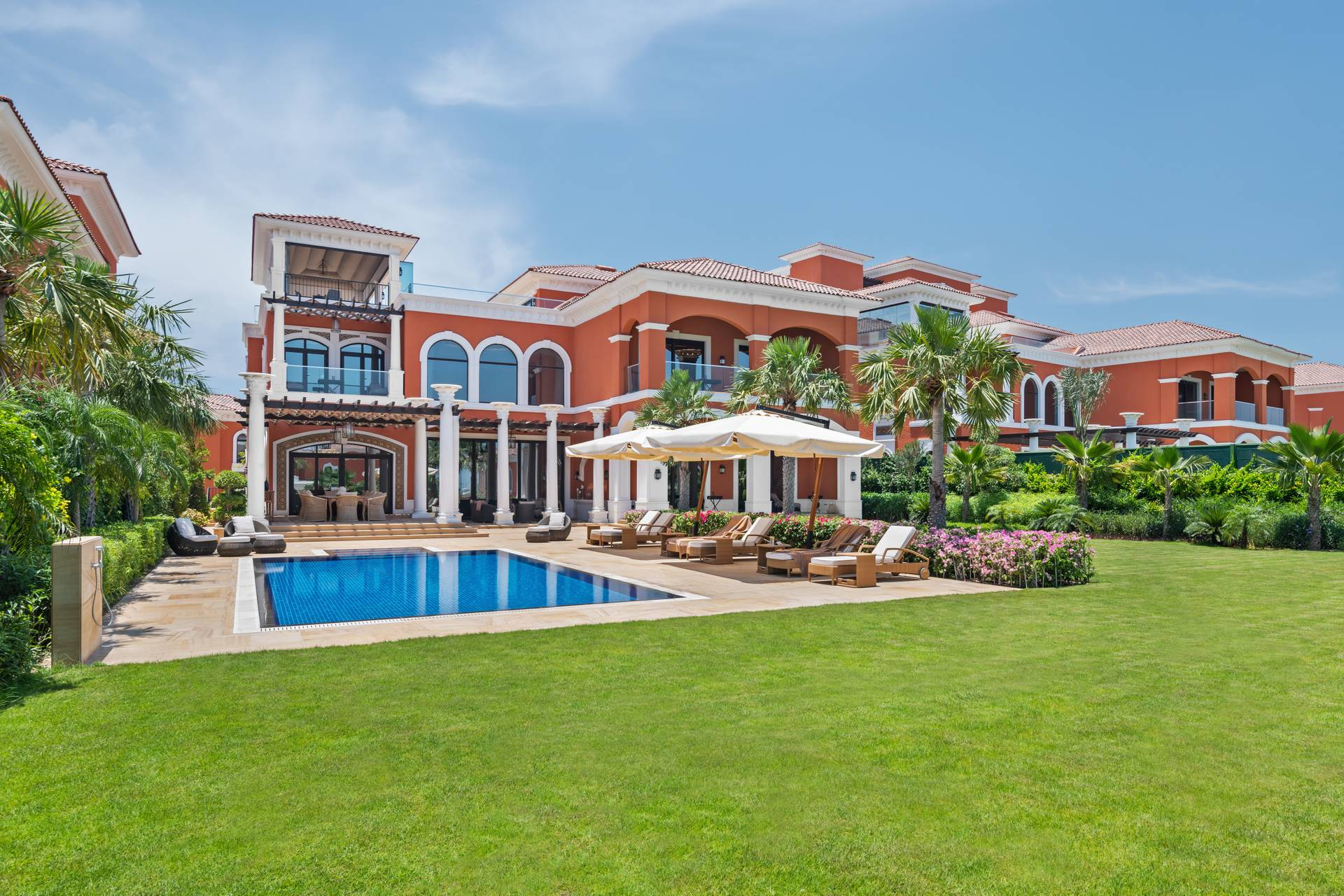 Villa en venta en Dubai, EAU, 7 dormitorios, 1051 m2, № 23846 – foto 9