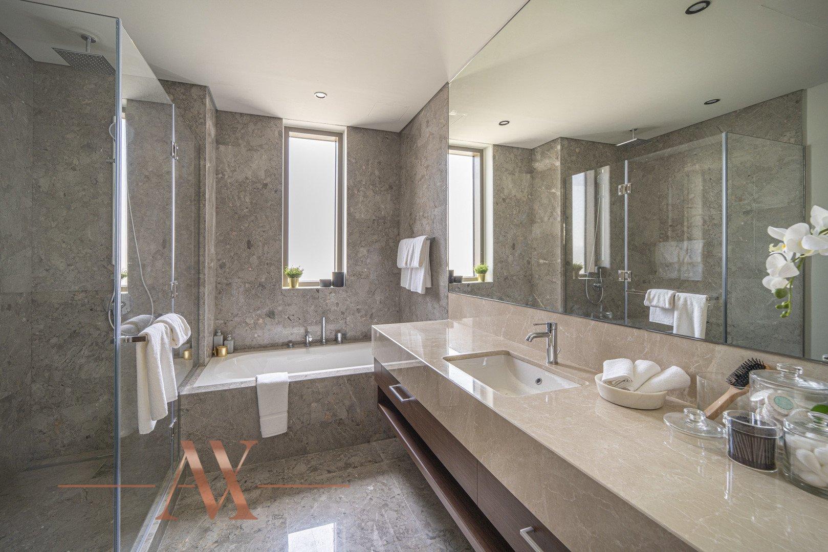Villa en venta en Dubai, EAU, 4 dormitorios, 659.6 m2, № 23710 – foto 8