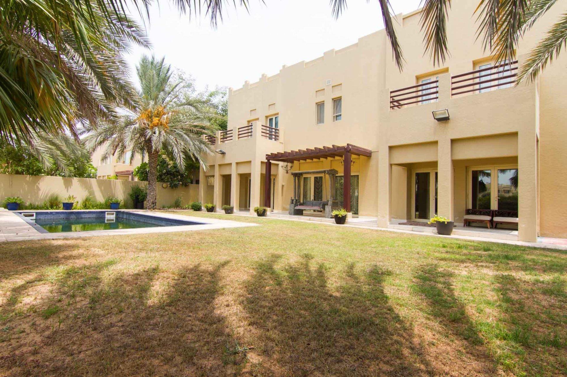 Villa en venta en Dubai, EAU, 4 dormitorios, 603 m2, № 24051 – foto 1