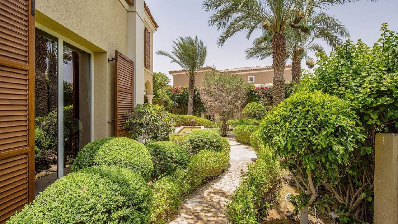 Villa en venta en Dubai, EAU, 3 dormitorios, 307 m2, № 24040 – foto 1