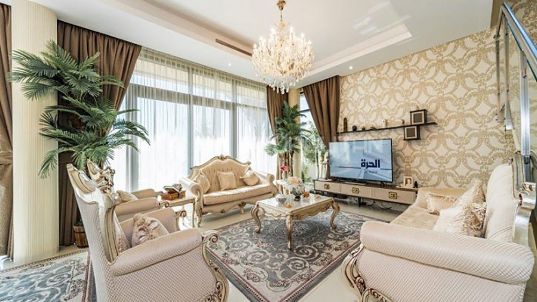 Villa en venta en Dubai, EAU, 5 dormitorios, 479 m2, № 24146 – foto 1