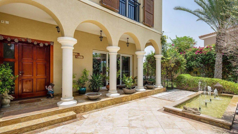 Villa en venta en Dubai, EAU, 4 dormitorios, 301 m2, № 24041 – foto 1