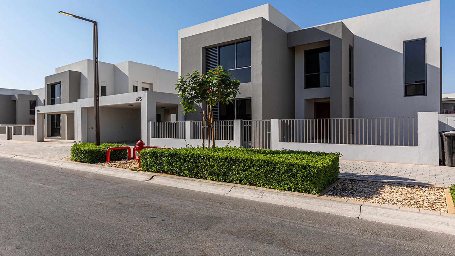 Villa en venta en Dubai, EAU, 3 dormitorios, 448 m2, № 24095 – foto 2
