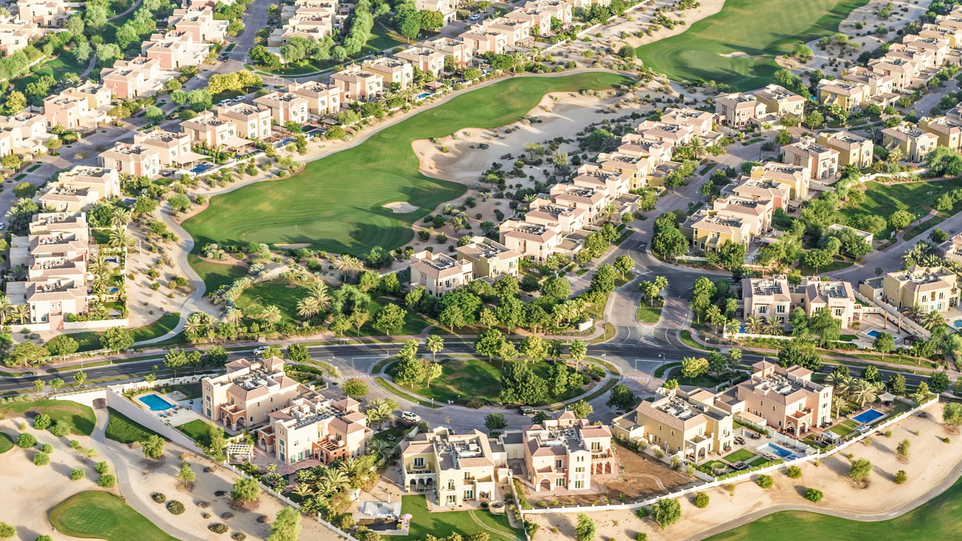 Adosado en venta en Dubai, EAU, 3 dormitorios, 270 m2, № 24045 – foto 2
