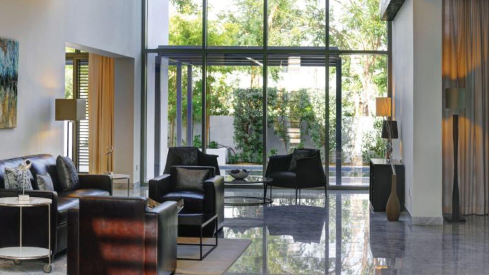 Villa en venta en Dubai, EAU, 7 dormitorios, 1560 m2, № 24432 – foto 5