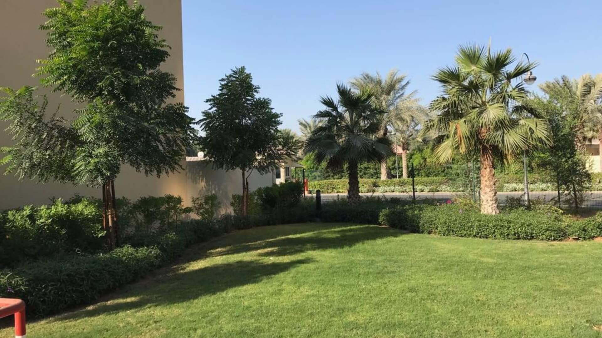Villa en venta en Dubai, EAU, 5 dormitorios, 613 m2, № 24321 – foto 4