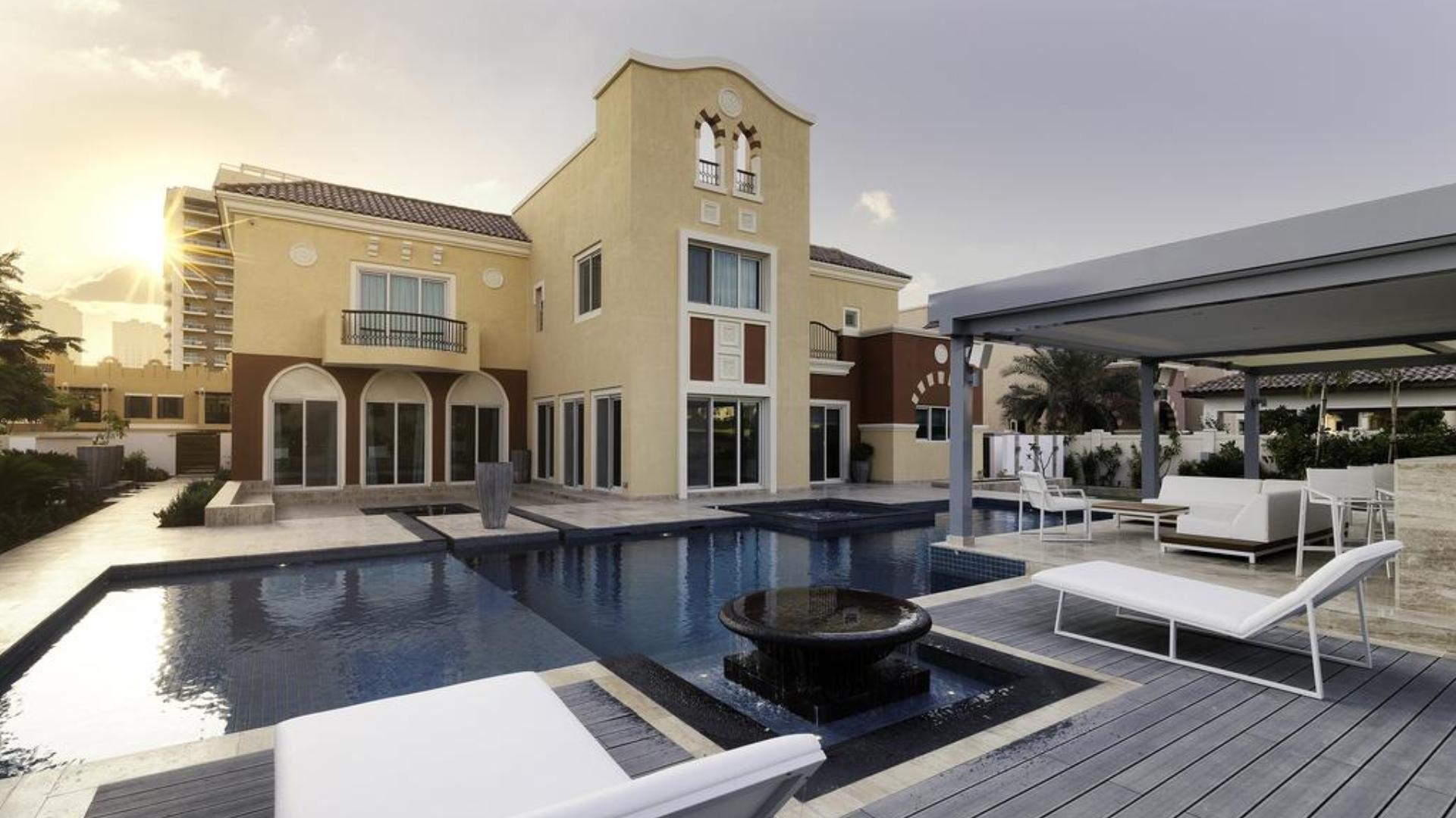 Villa en venta en Dubai, EAU, 5 dormitorios, 930 m2, № 24326 – foto 2