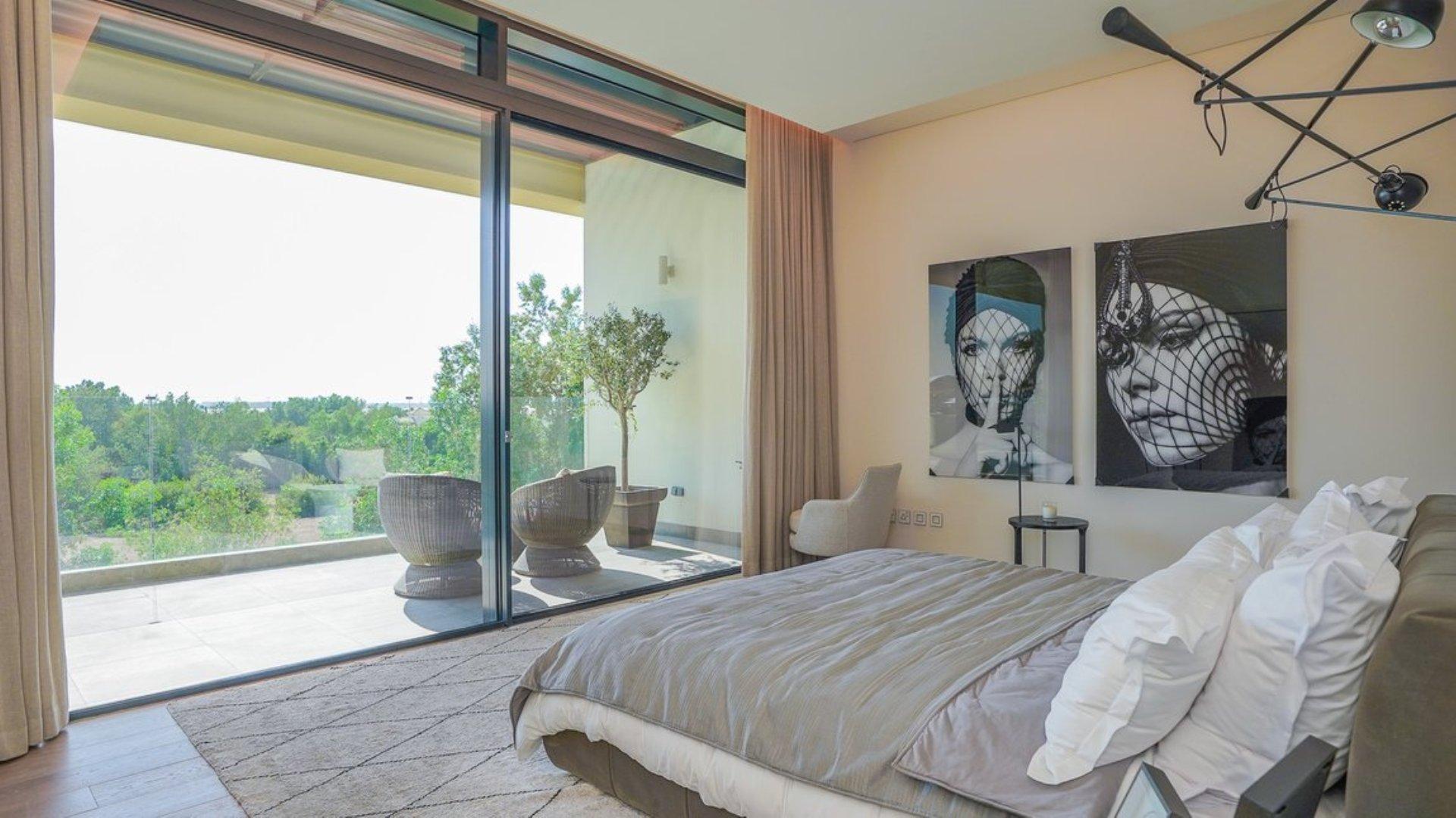 Villa en venta en Dubai, EAU, 6 dormitorios, 1117 m2, № 24250 – foto 2