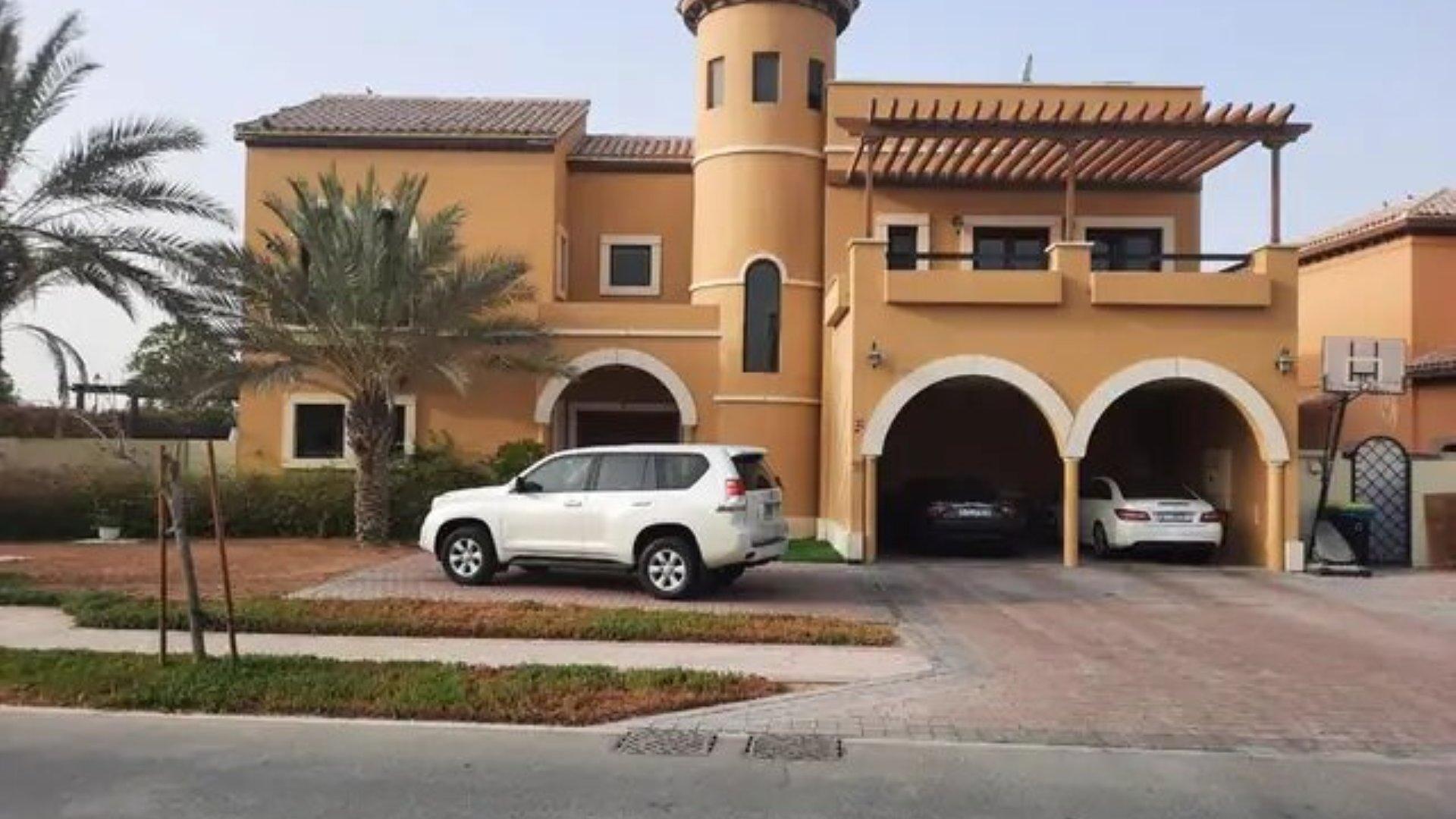 Villa en venta en Dubai, EAU, 6 dormitorios, 1161 m2, № 24359 – foto 5