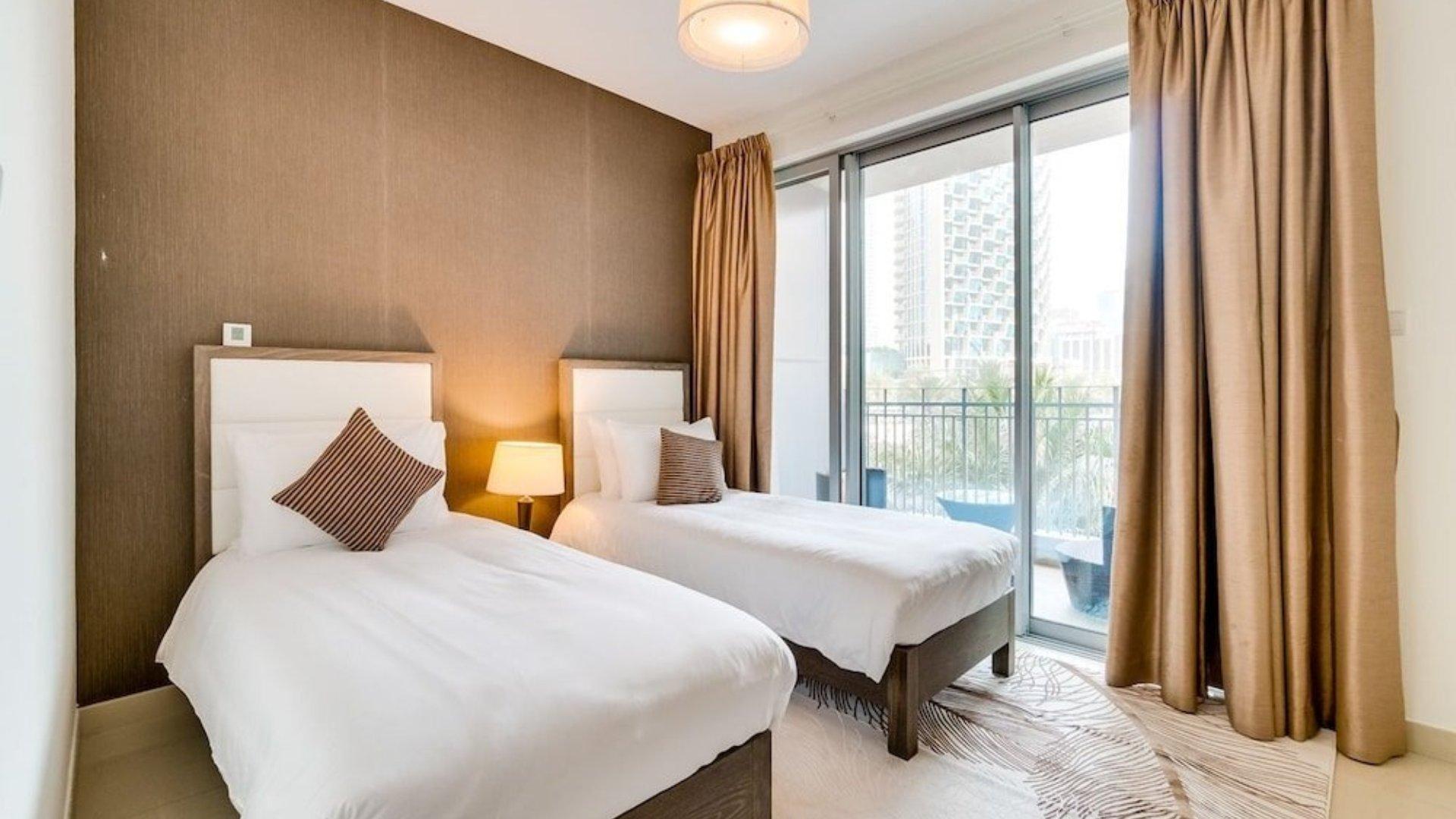 Villa en venta en Dubai, EAU, 3 dormitorios, 311 m2, № 24376 – foto 1