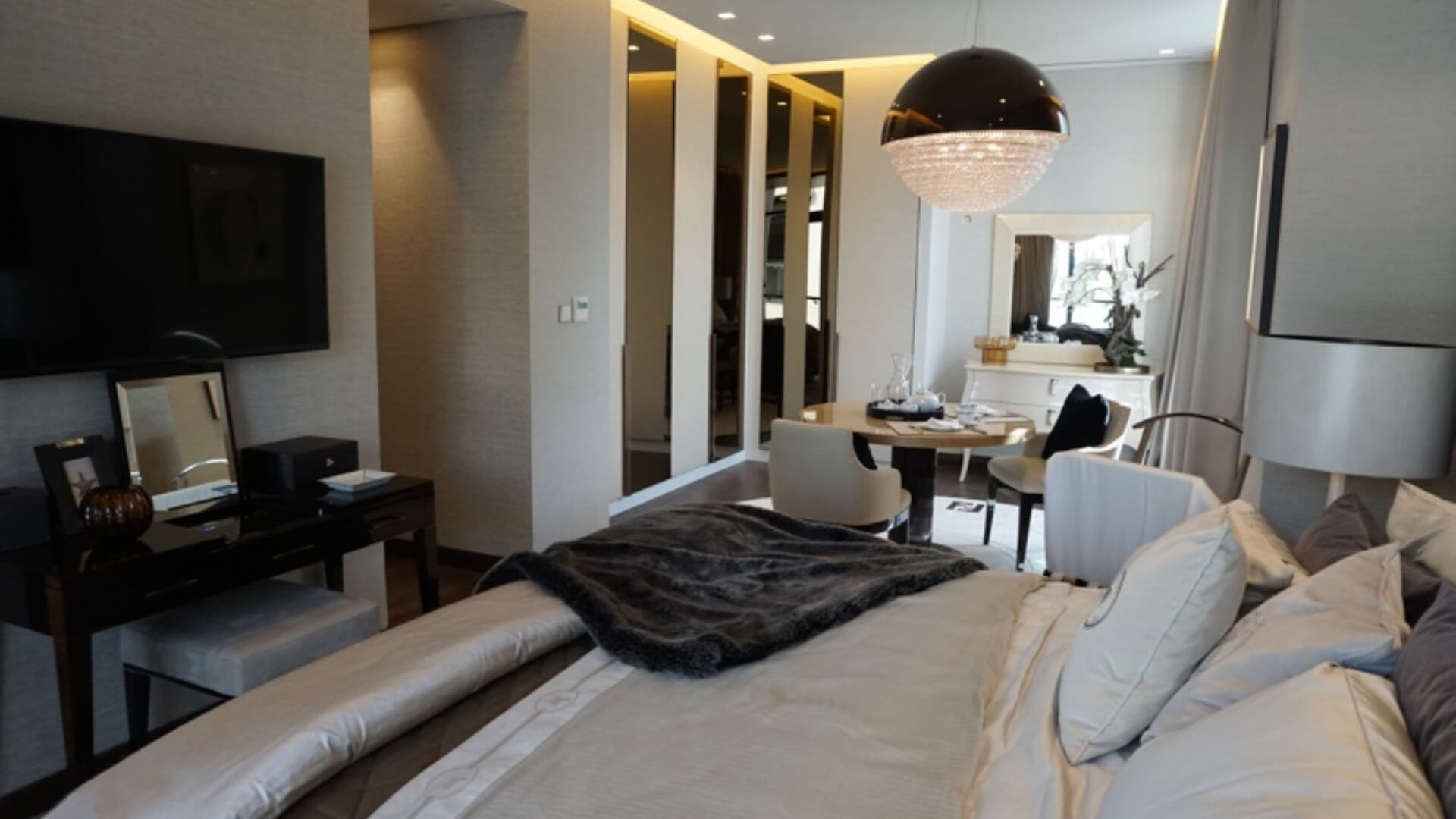 Villa en venta en Dubai, EAU, 5 dormitorios, 541 m2, № 24526 – foto 2