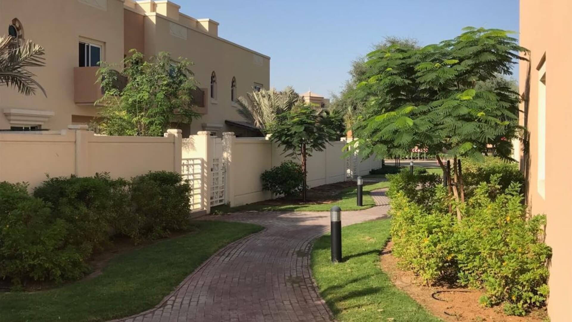 Villa en venta en Dubai, EAU, 5 dormitorios, 930 m2, № 24326 – foto 4