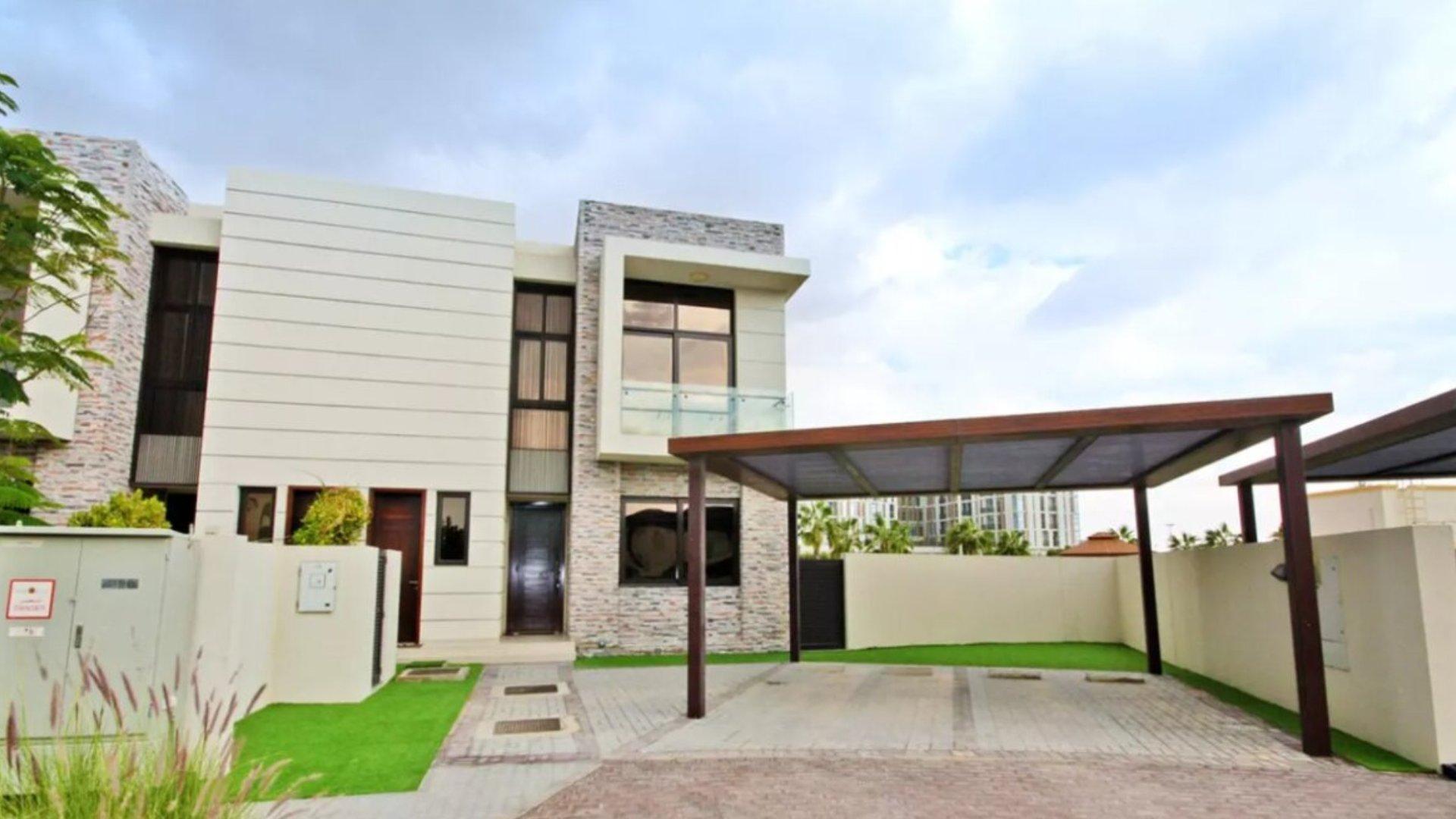 Villa en venta en Dubai, EAU, 5 dormitorios, 381 m2, № 24541 – foto 1