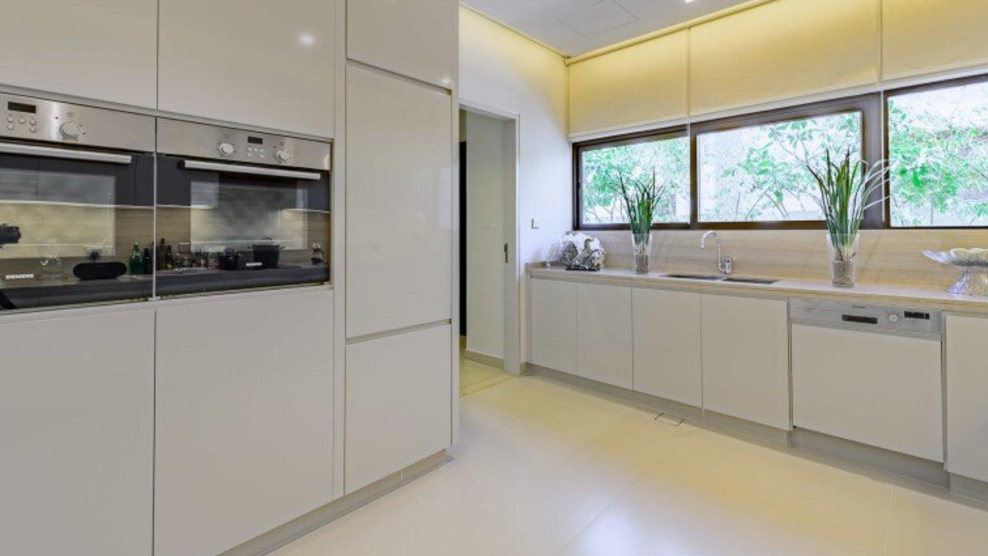 Villa en venta en Dubai, EAU, 5 dormitorios, 400 m2, № 24524 – foto 4