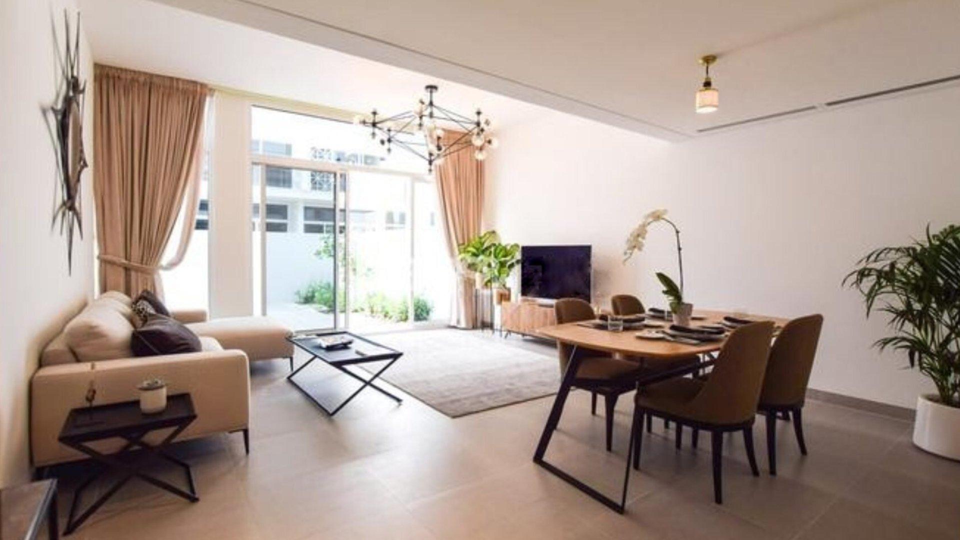 Adosado en venta en Dubai, EAU, 2 dormitorios, 165 m2, № 24436 – foto 2