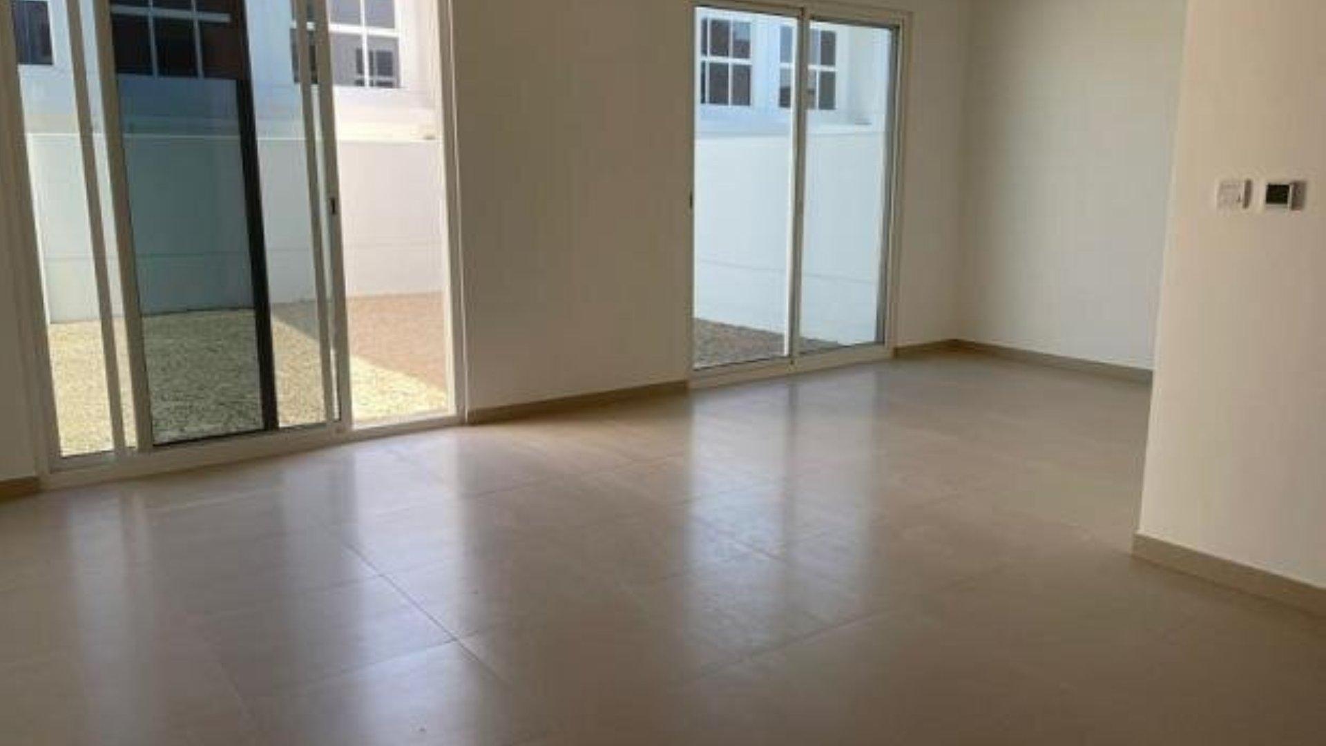 Adosado en venta en Dubai, EAU, 3 dormitorios, 184 m2, № 24438 – foto 6