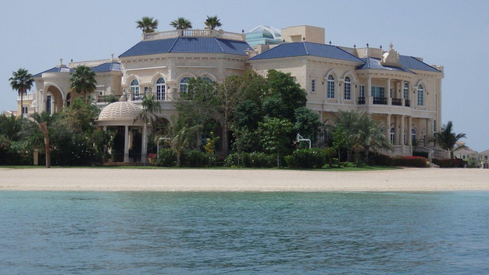 Villa en venta en Dubai, EAU, 6 dormitorios, 2044 m2, № 24491 – foto 1