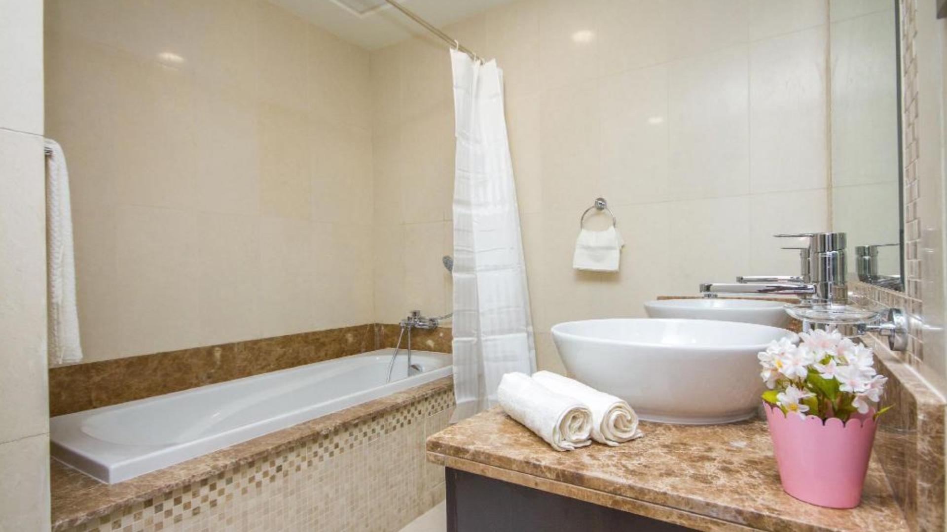 Adosado en venta en Dubai, EAU, 4 dormitorios, 770 m2, № 24471 – foto 2
