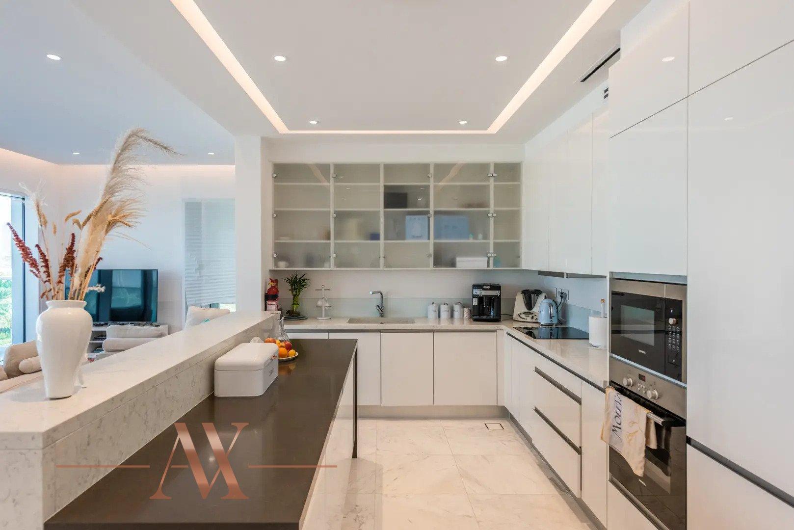 Apartamento en venta en Dubai, EAU, 2 dormitorios, 202 m2, № 24255 – foto 1