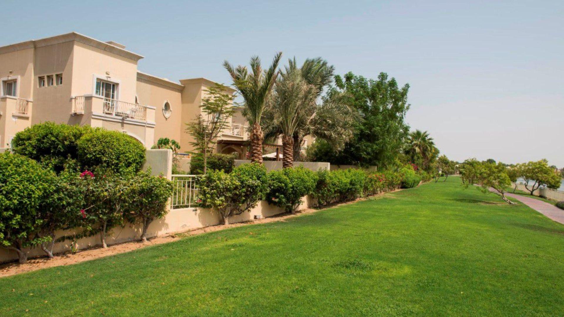 Villa en venta en Dubai, EAU, 5 dormitorios, 588 m2, № 24377 – foto 5