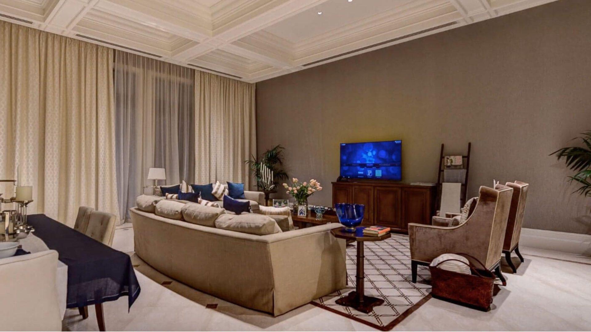 Villa en venta en Dubai, EAU, 7 dormitorios, 3197 m2, № 24635 – foto 6