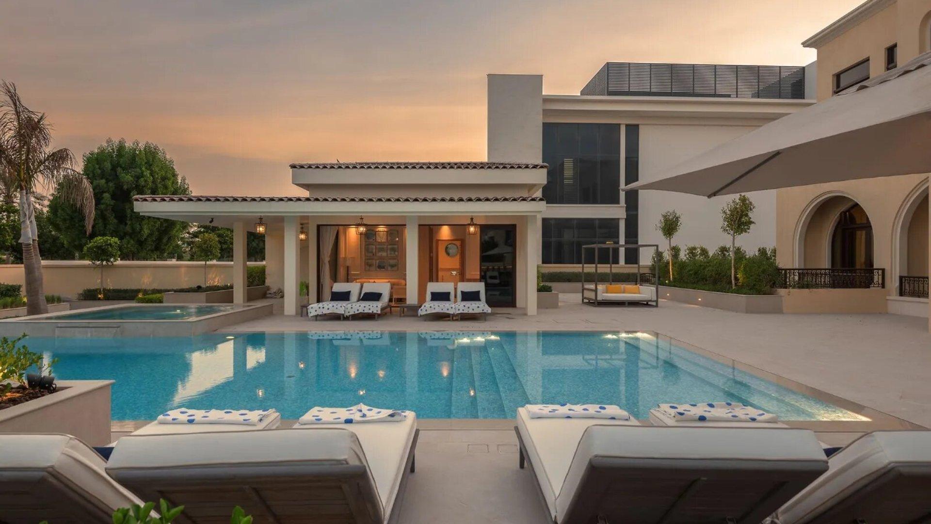 Villa en venta en Dubai, EAU, 7 dormitorios, 2084 m2, № 24633 – foto 3