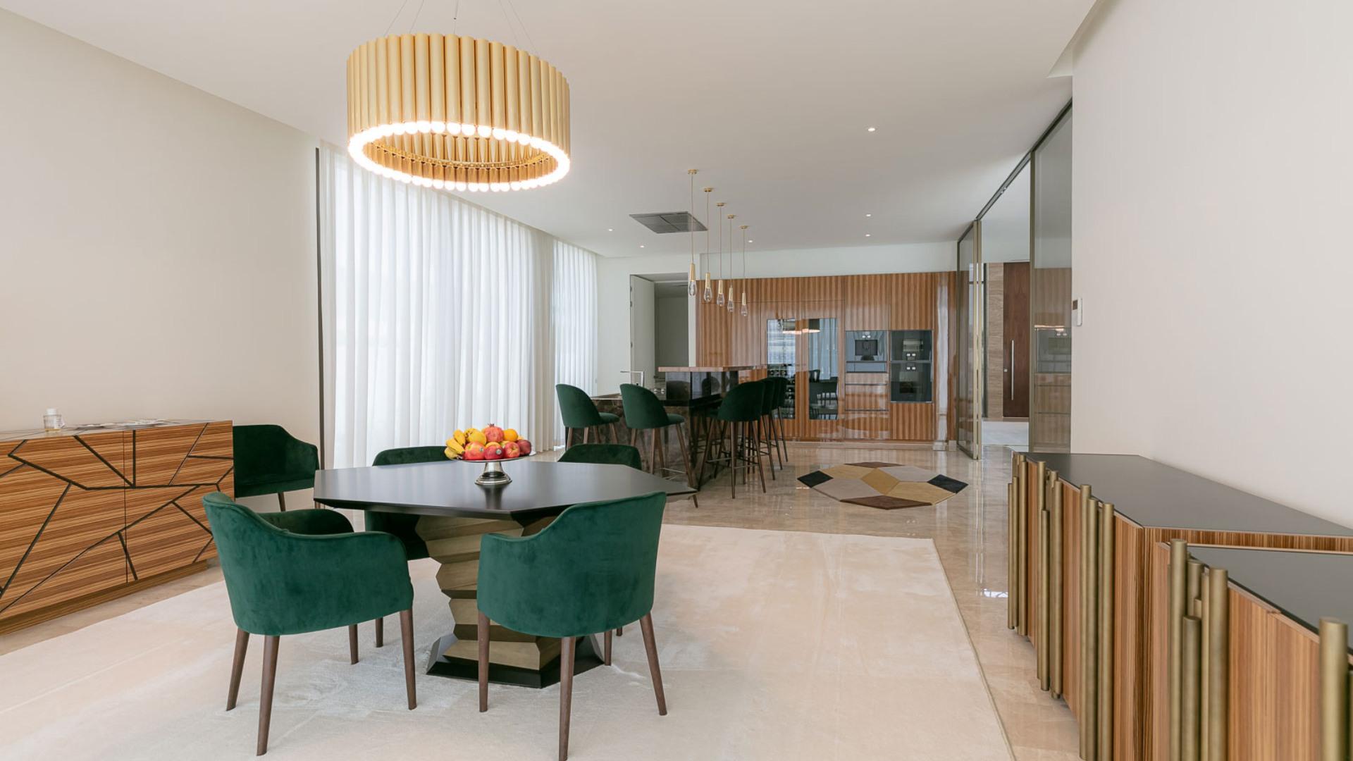Villa en venta en Dubai, EAU, 7 dormitorios, 1301 m2, № 24641 – foto 4