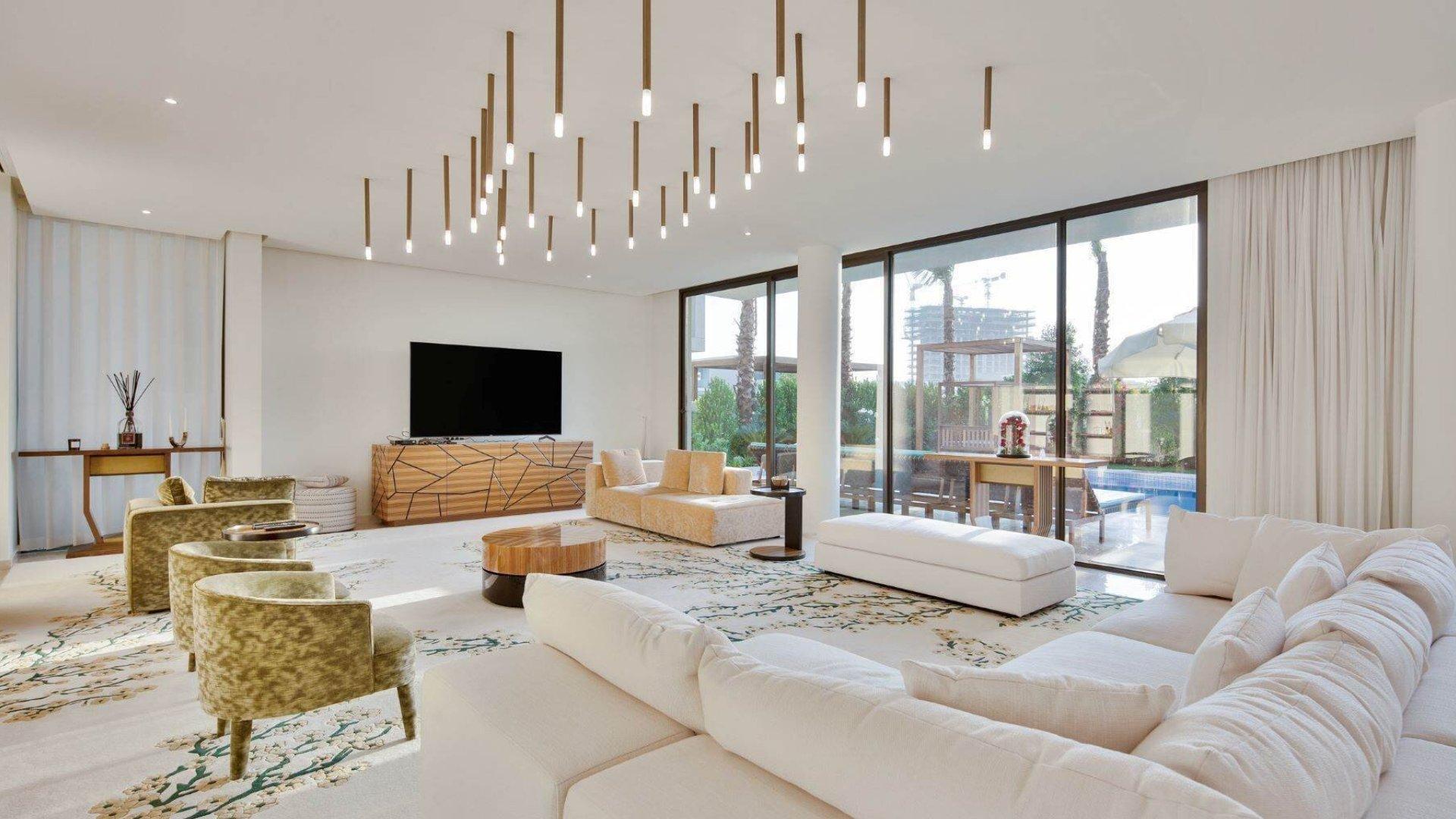 Villa en venta en Dubai, EAU, 7 dormitorios, 921 m2, № 24638 – foto 3