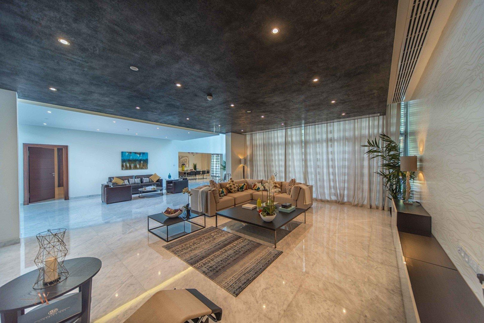 Villa for sale in Dubai, UAE, 5 bedrooms, 733.9 m2, No. 23505 – photo 11