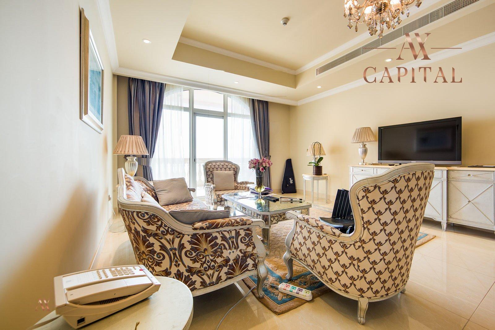 Apartment for sale in Dubai, UAE, 2 bedrooms, 164 m2, No. 23626 – photo 1