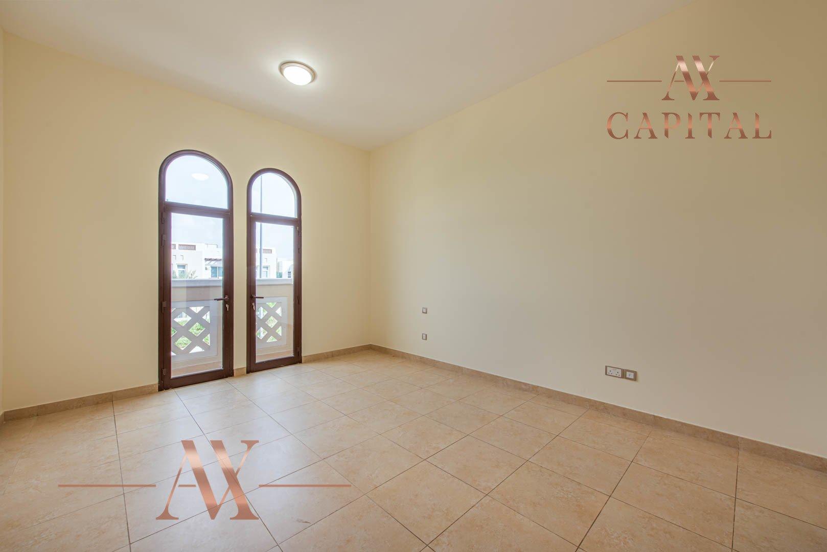 Villa for sale in Dubai, UAE, 4 bedrooms, 373.7 m2, No. 23687 – photo 13