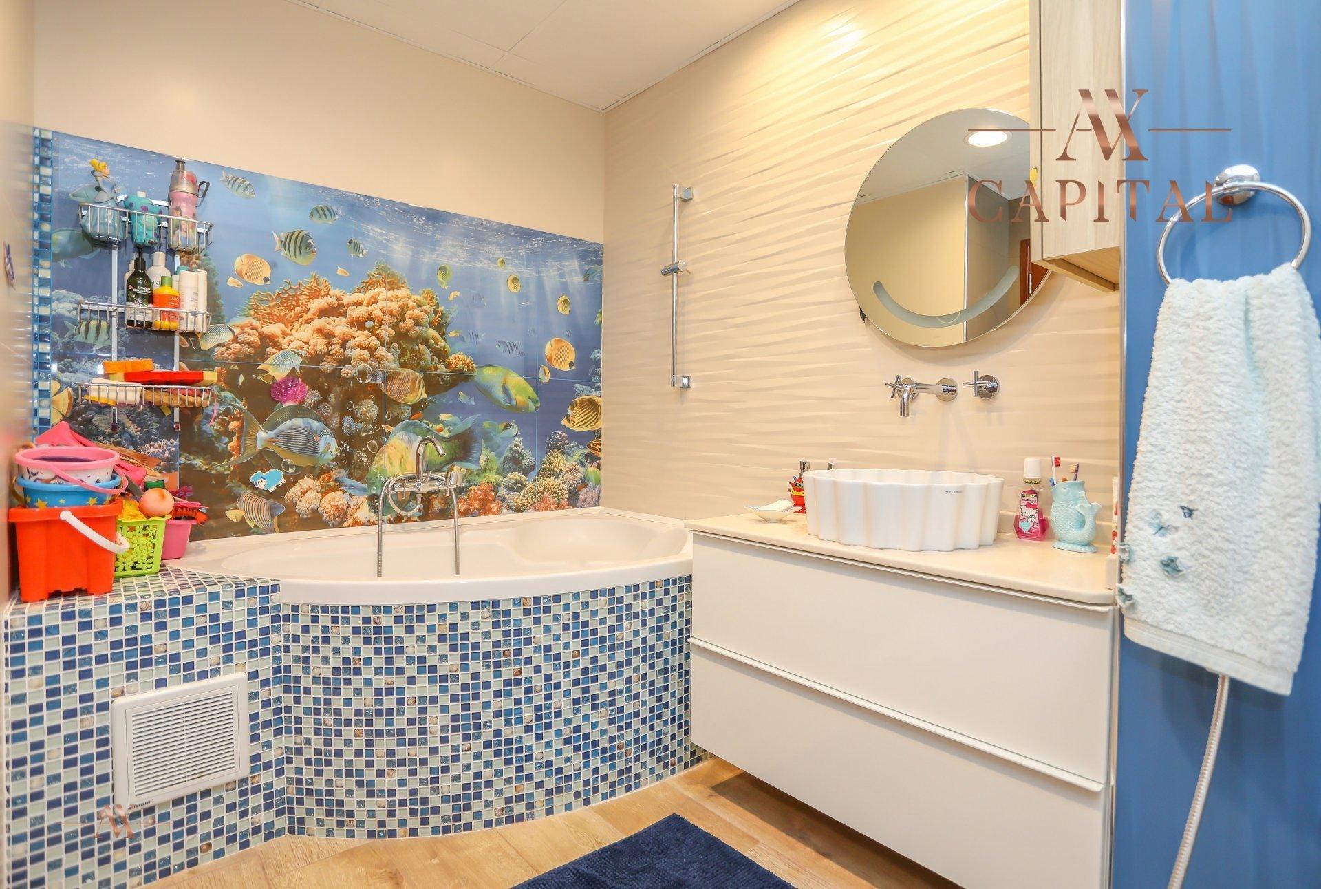 Apartment for sale in Dubai, UAE, 4 bedrooms, 251.5 m2, No. 23495 – photo 4