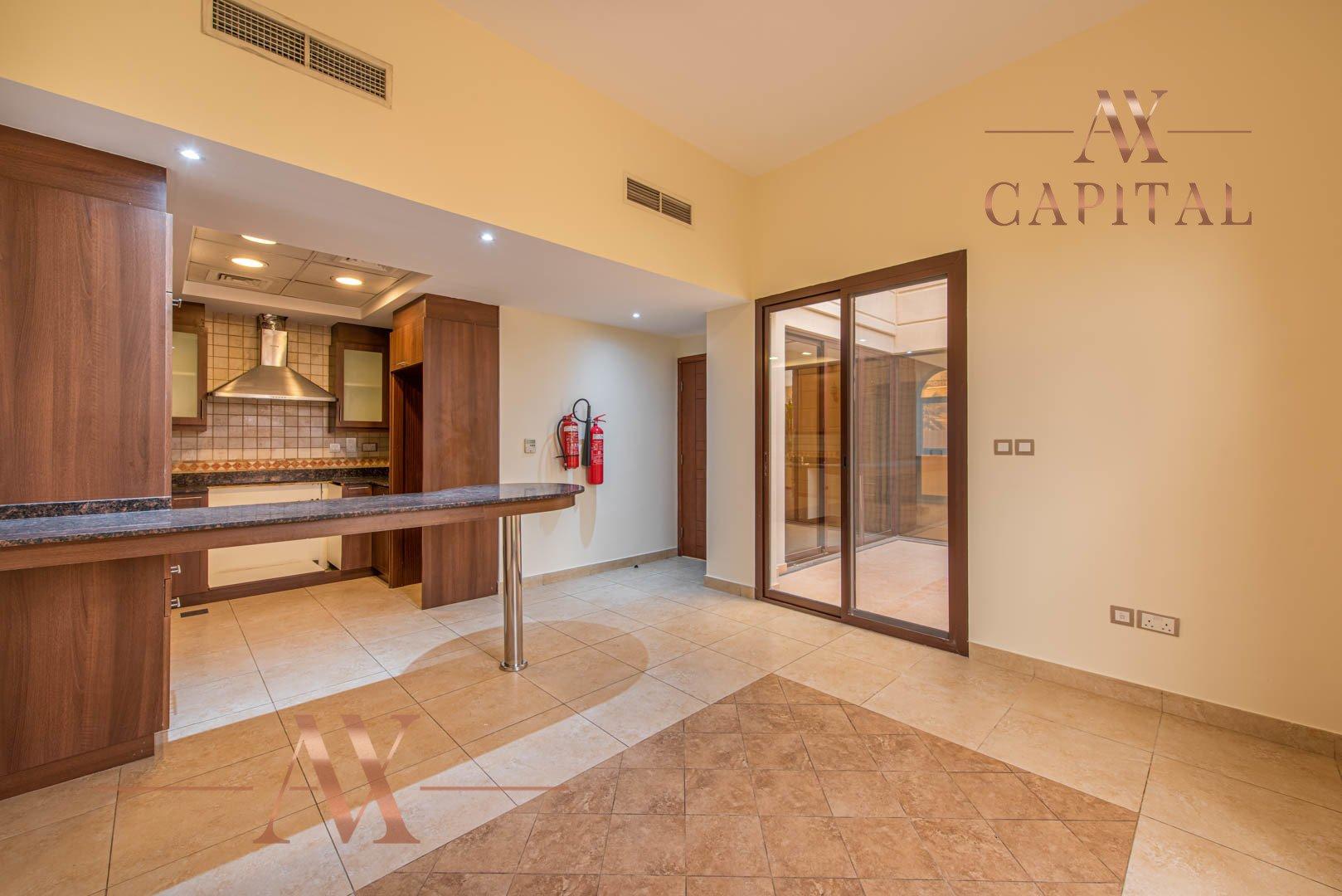 Villa for sale in Dubai, UAE, 4 bedrooms, 373.7 m2, No. 23687 – photo 1
