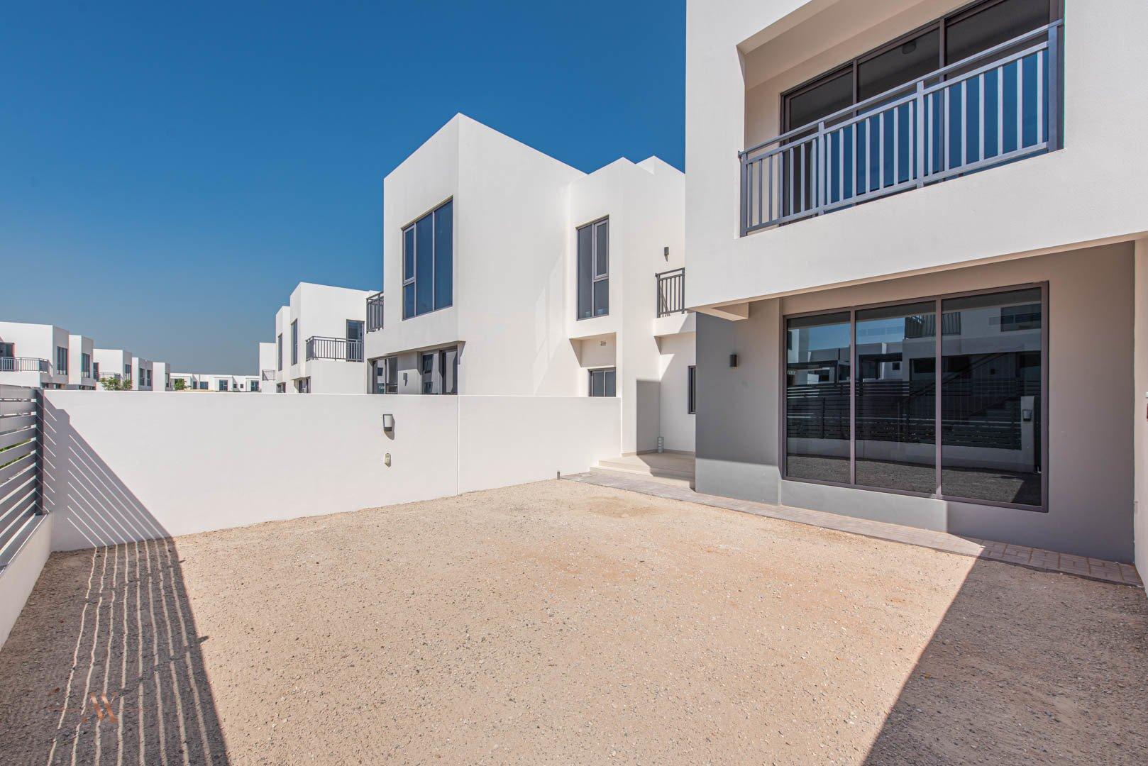 Villa for sale in Dubai, UAE, 3 bedrooms, 194.4 m2, No. 23635 – photo 6