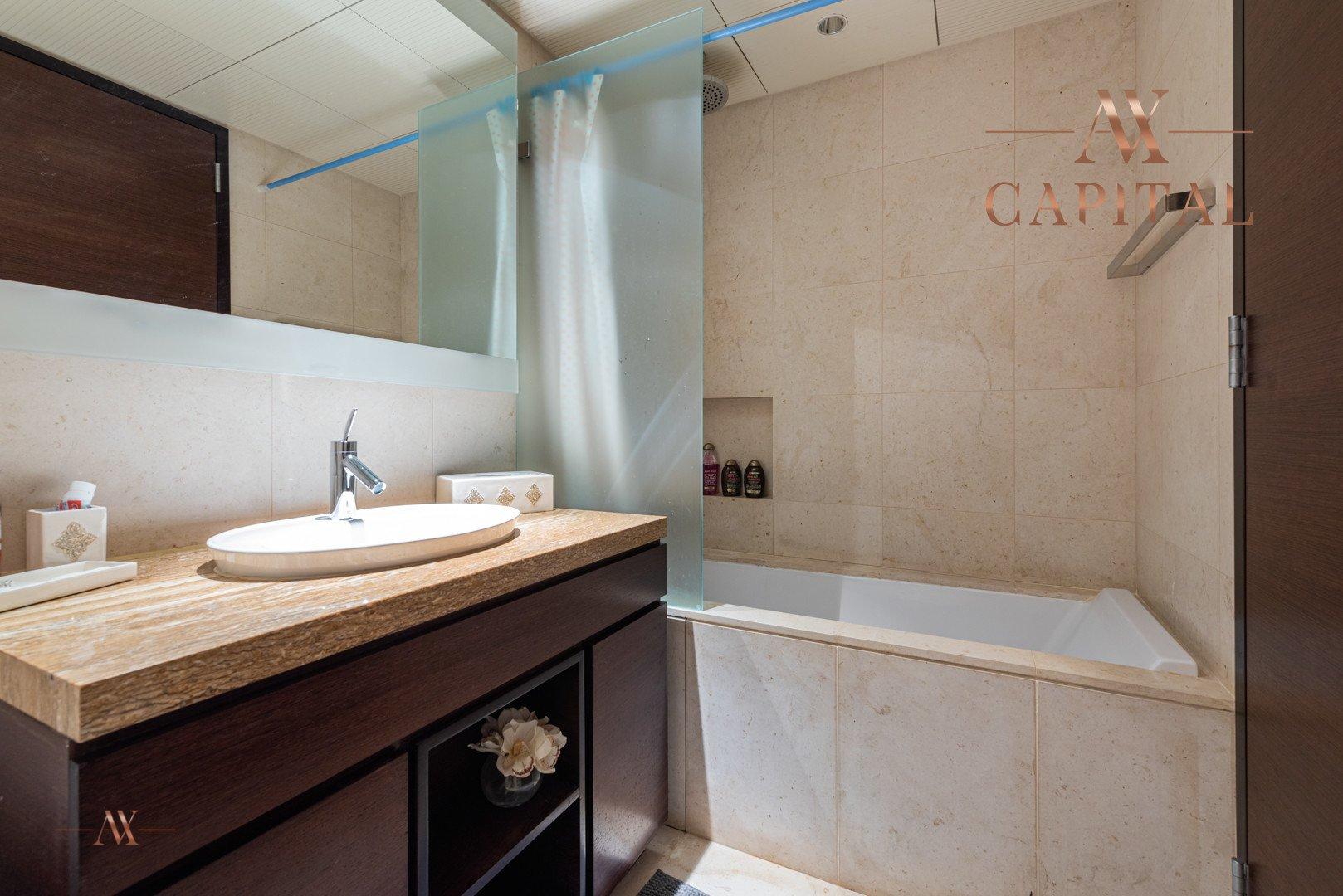 Apartment for sale in Dubai, UAE, 3 bedrooms, 250.8 m2, No. 23634 – photo 4