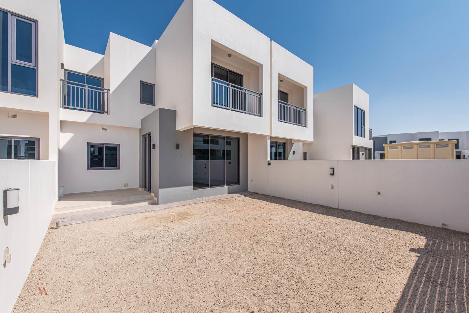 Villa for sale in Dubai, UAE, 3 bedrooms, 194.4 m2, No. 23635 – photo 2