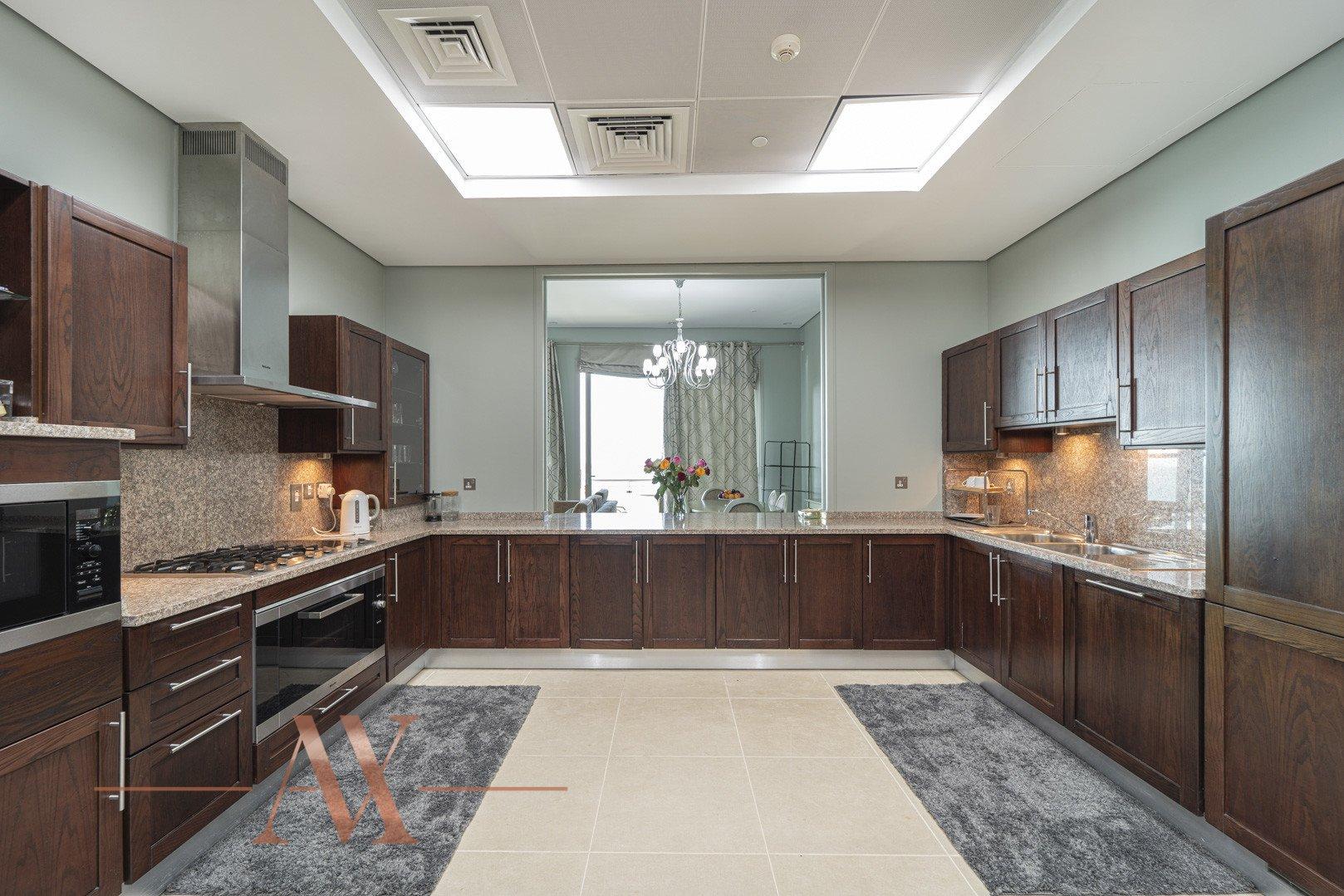 Apartment for sale in Dubai, UAE, 2 bedrooms, 206 m2, No. 23806 – photo 7