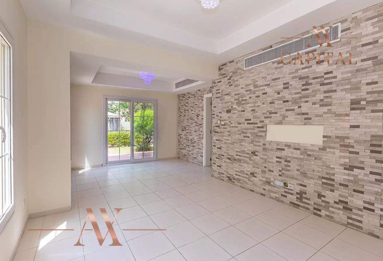 Villa for sale in Dubai, UAE, 3 bedrooms, 209.8 m2, No. 23753 – photo 1