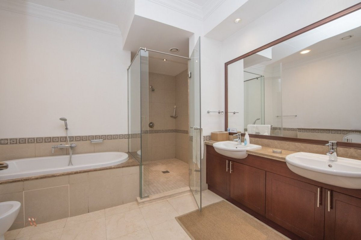 Townhouse for sale in Dubai, UAE, 3 bedrooms, 483.1 m2, No. 23563 – photo 6