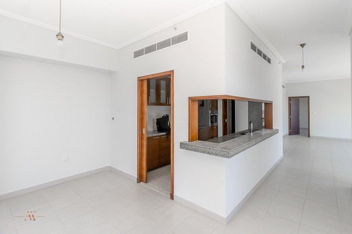 Apartment for sale in Dubai, UAE, 3 bedrooms, 195.3 m2, No. 23606 – photo 10