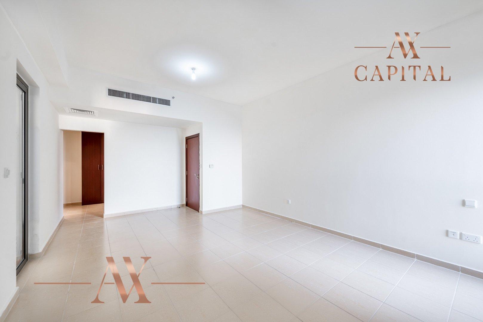 Apartment for sale in Dubai, UAE, 3 bedrooms, 198.8 m2, No. 23766 – photo 1