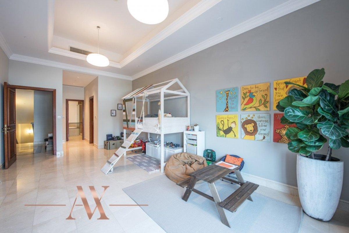 Townhouse for sale in Dubai, UAE, 3 bedrooms, 483.1 m2, No. 23709 – photo 8
