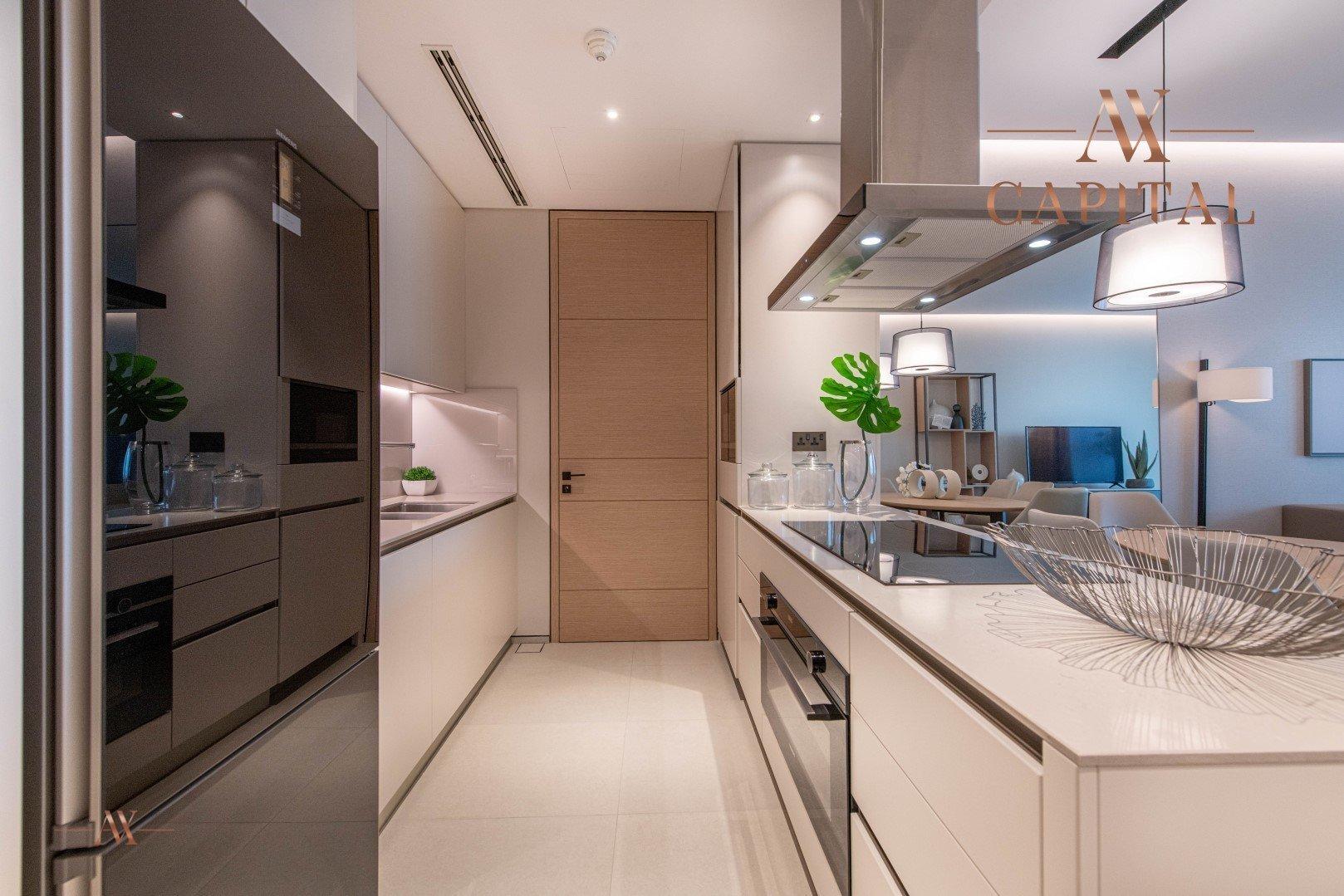 Apartment for sale in Dubai, UAE, 4 bedrooms, 240.6 m2, No. 23501 – photo 8