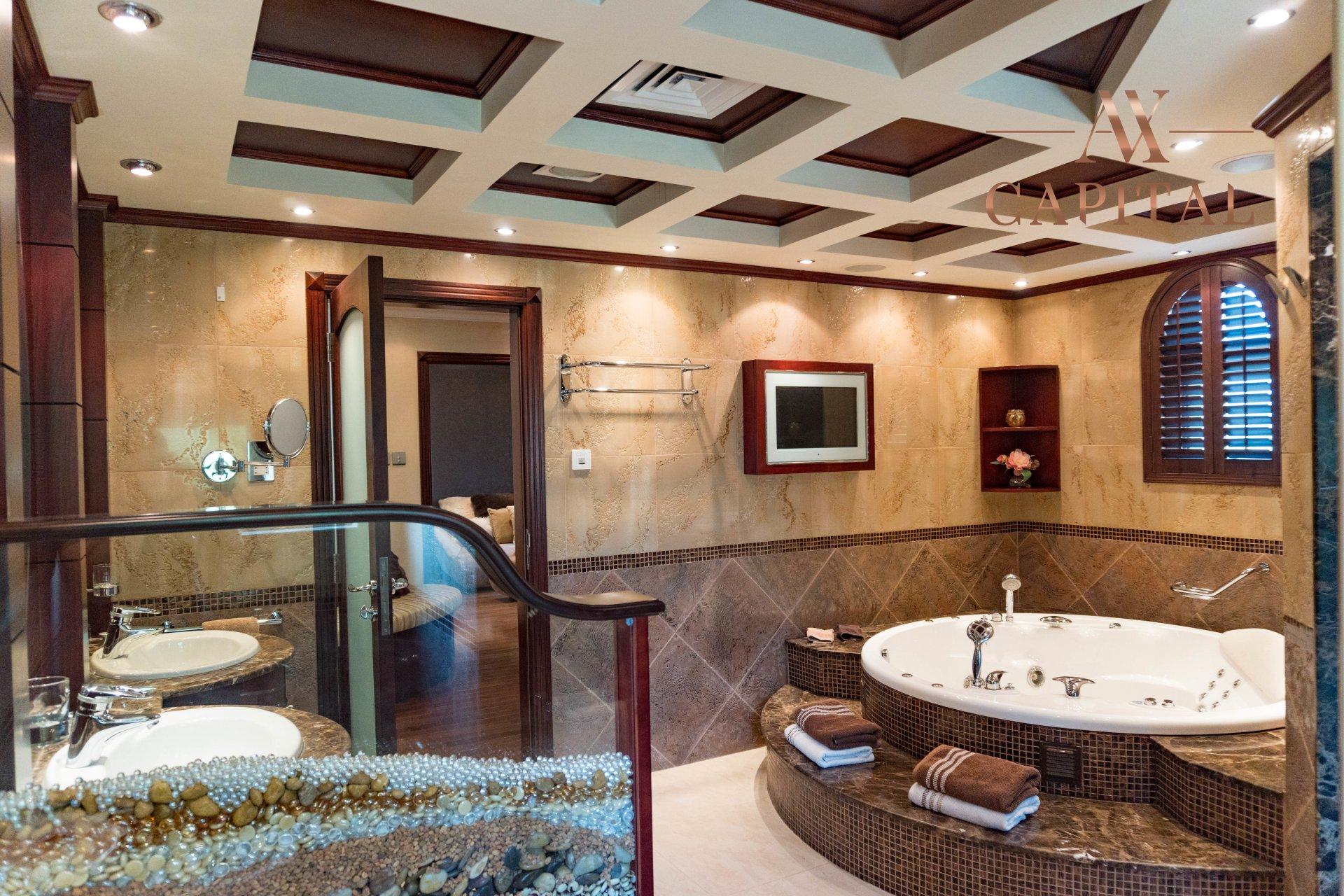 Villa for sale in Dubai, UAE, 4 bedrooms, 1001.7 m2, No. 23559 – photo 10